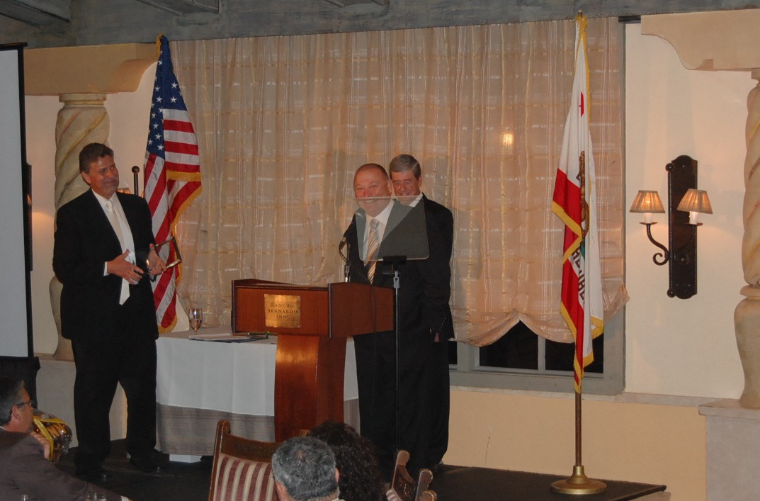 Bill Howe accepts San Diego North Chamber Business 2012 Leader of the Year Award